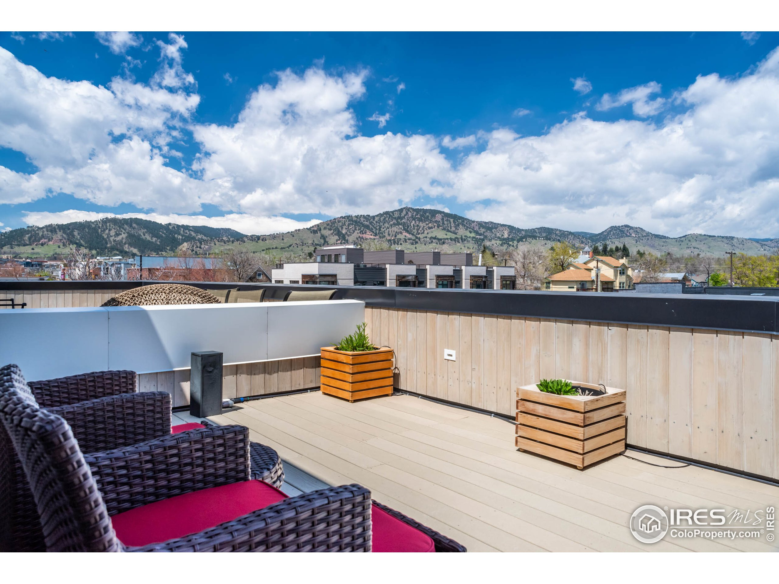 Rooftop Patio with VIEWS