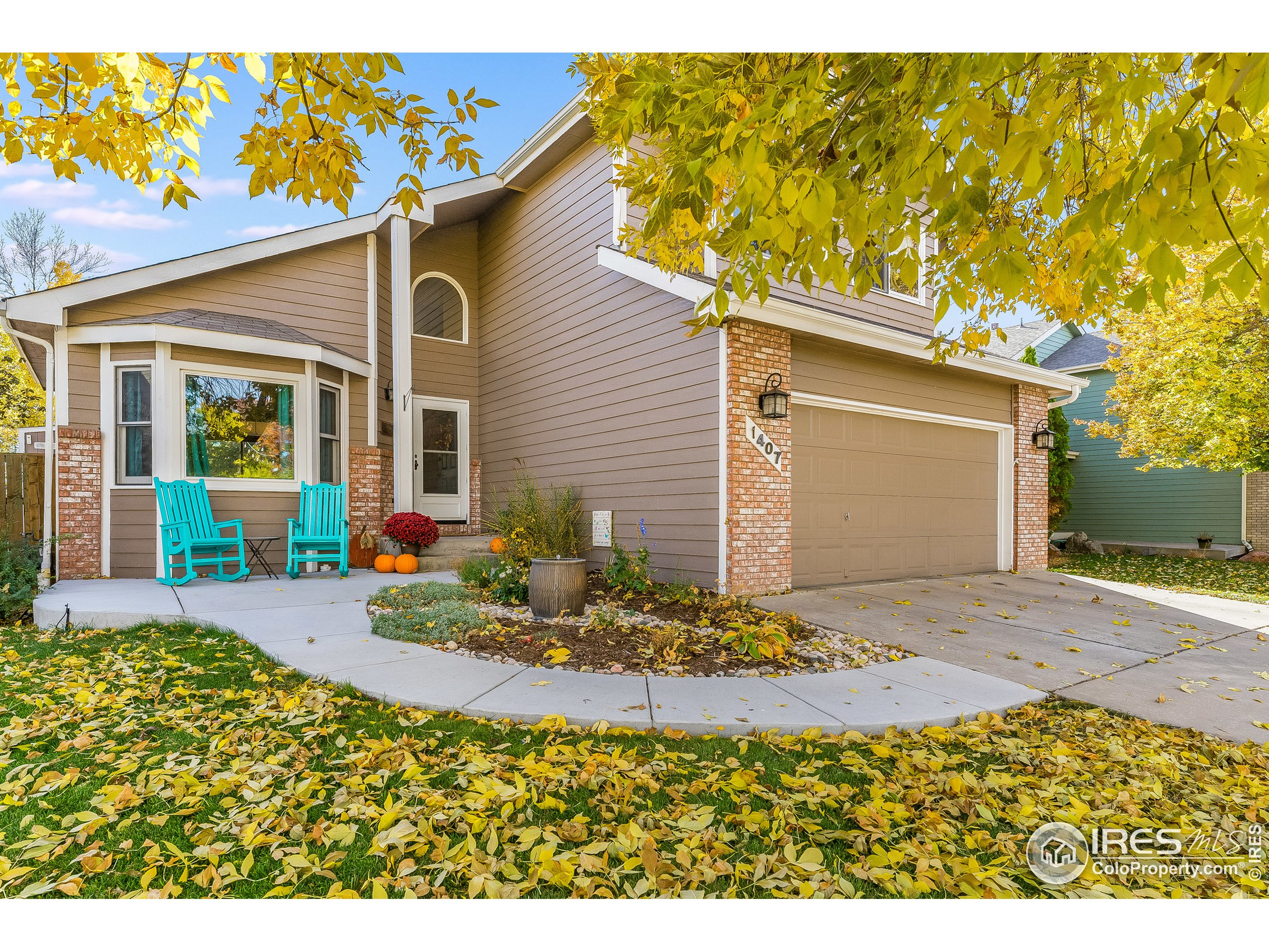 Wonderful west Ft Collins location with a very clean and well maintained home.  This house has the outdoor upgrades fit to entertain and gather, while the interior is tastefully finished and roomy. Family room, kitchen and breakfast nook have nicely finished wood floors and overall great main floor space. Granite counters in kitchen and bath. Large primary bedroom with updated bathroom as well as upgraded second bath on upper level. New front walk/patio as well as back concrete. Newer attached shed, back deck and mature landscaping. Fully finished basement with bar allows for gathering and games. Close to PSD neighborhood schools. Come take a look at this beauty in desired Kingston Woods.