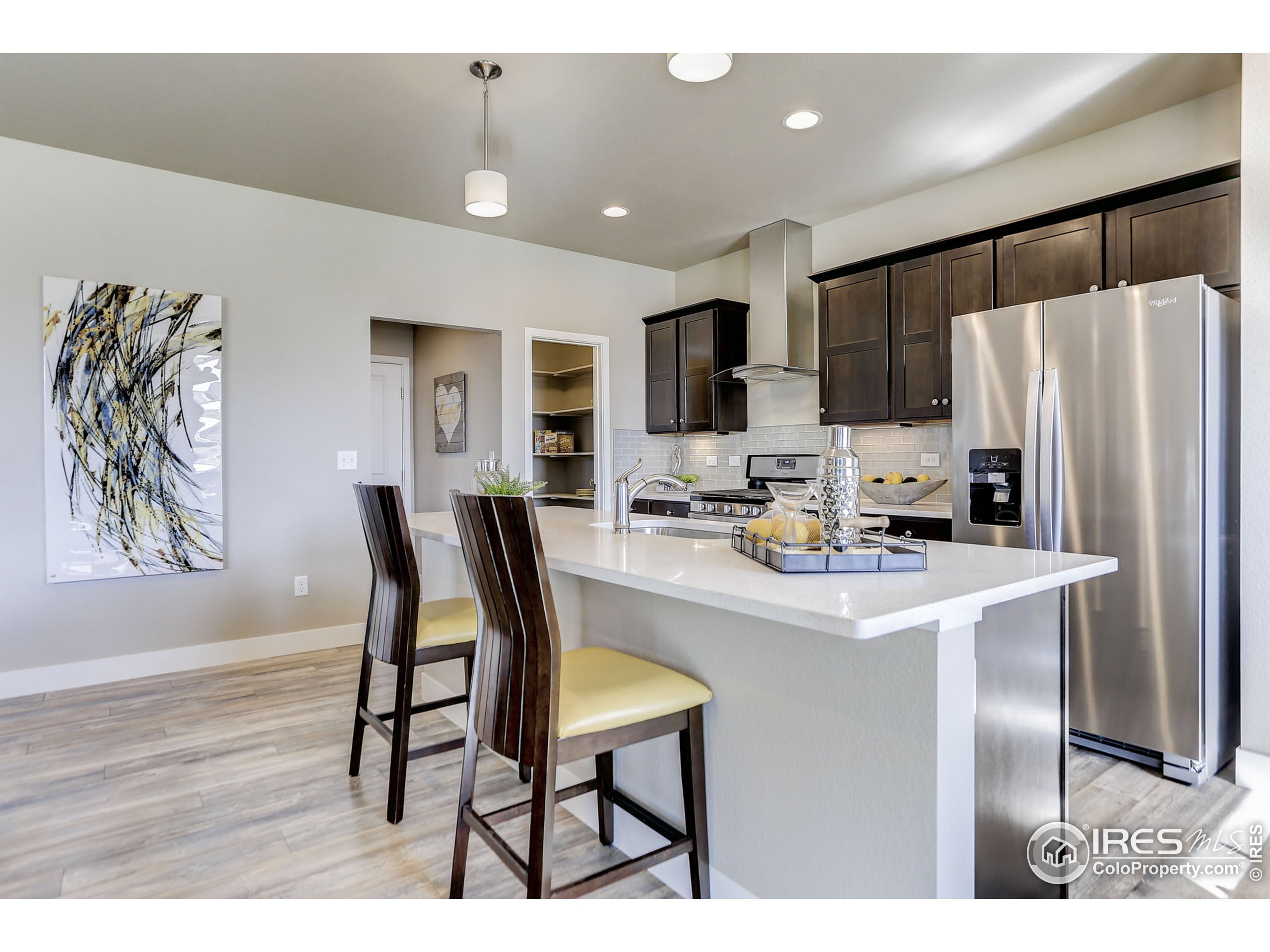 EXAMPLE PHOTO: EAT-IN KITCHEN