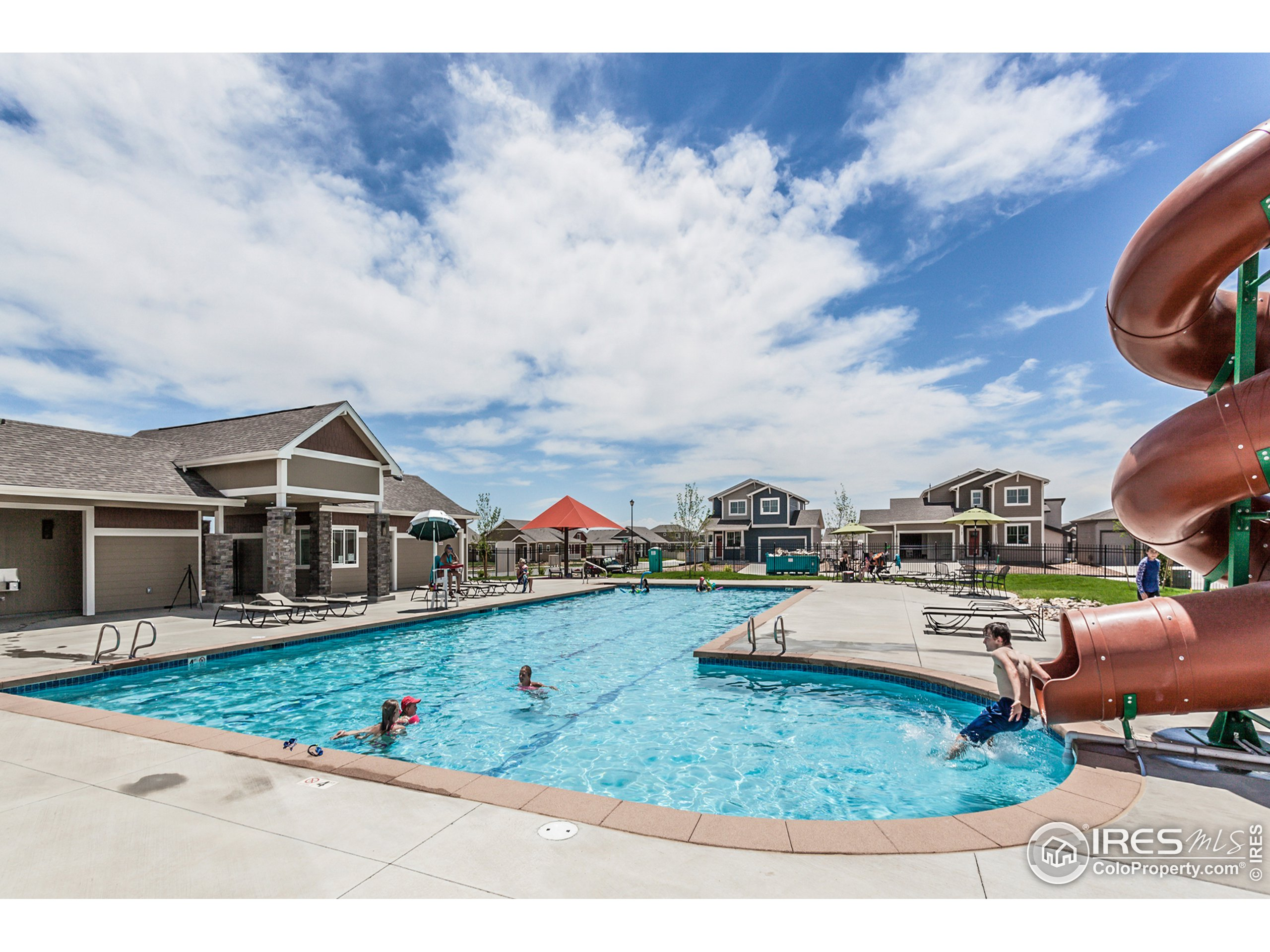 EXAMPLE PHOTO: COMMUNITY POOL INCLUDED IN HOA DUES