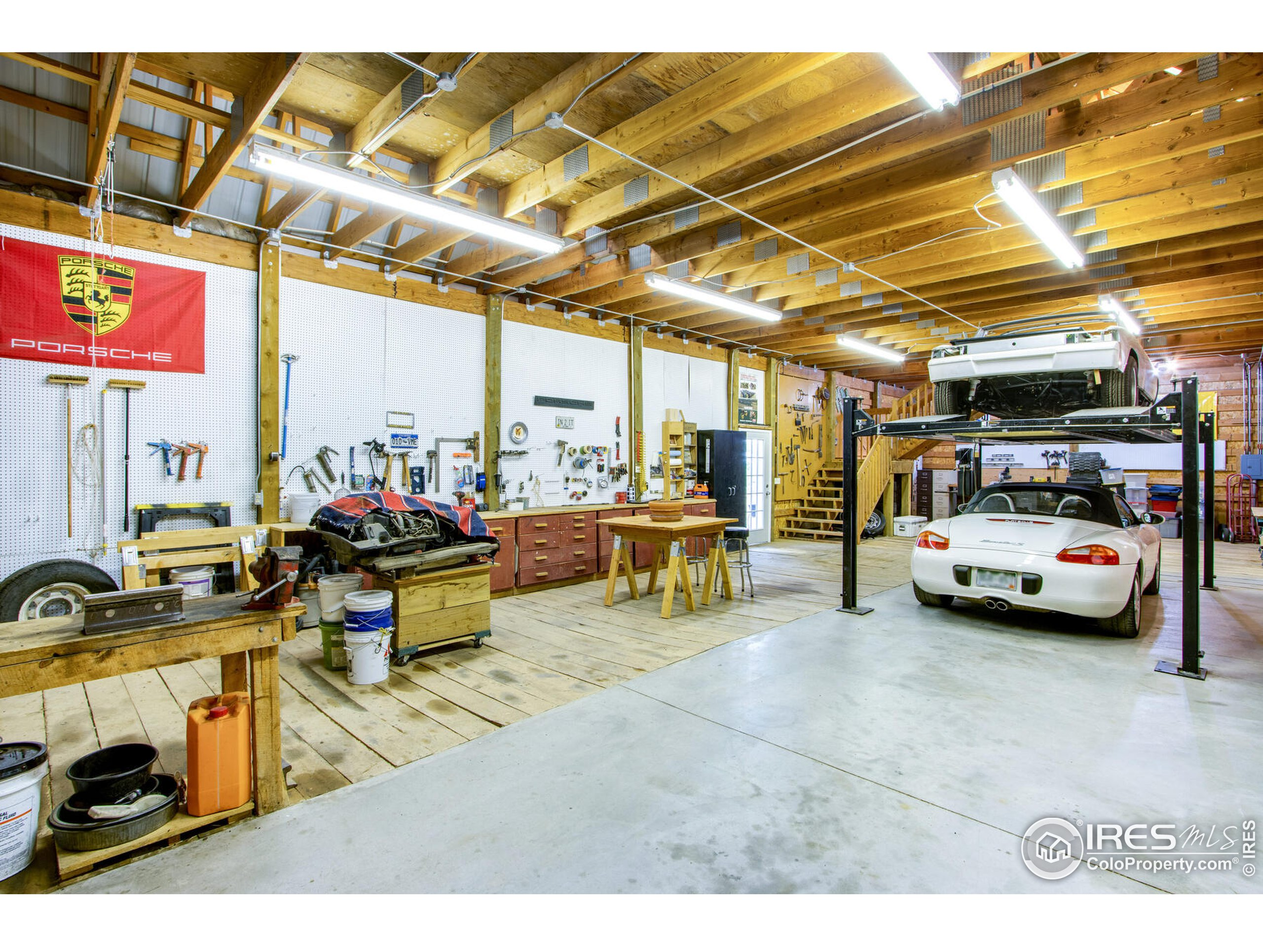 Shop is over 2,600 square feet with a 2nd level/loft