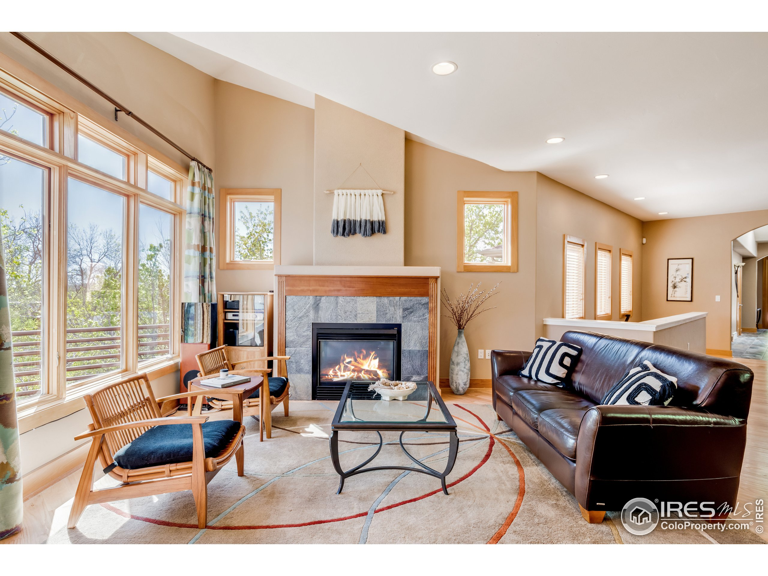Living Room Fireplace & Vaulted Ceiling