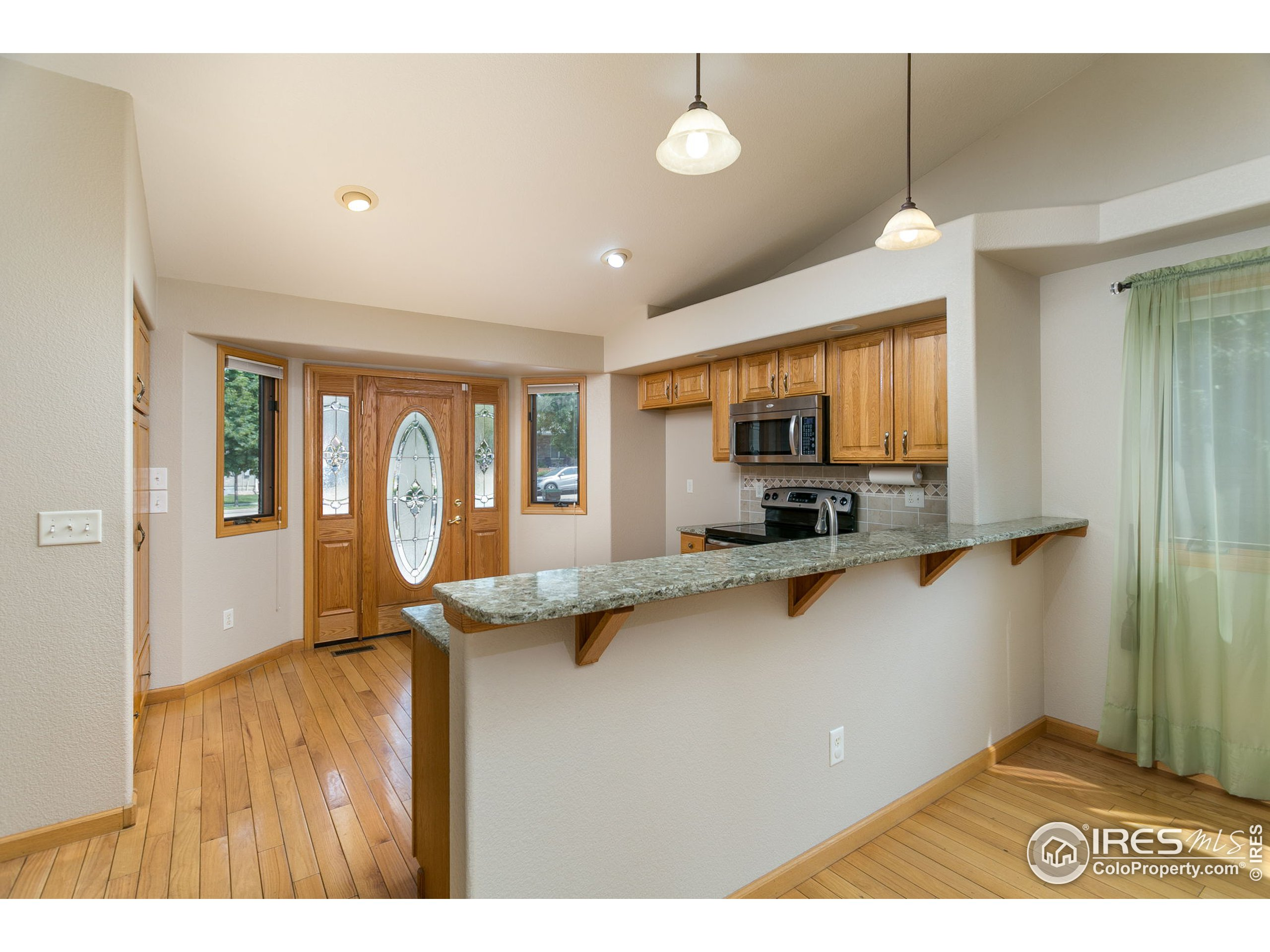 Kitchen flows into Dining room