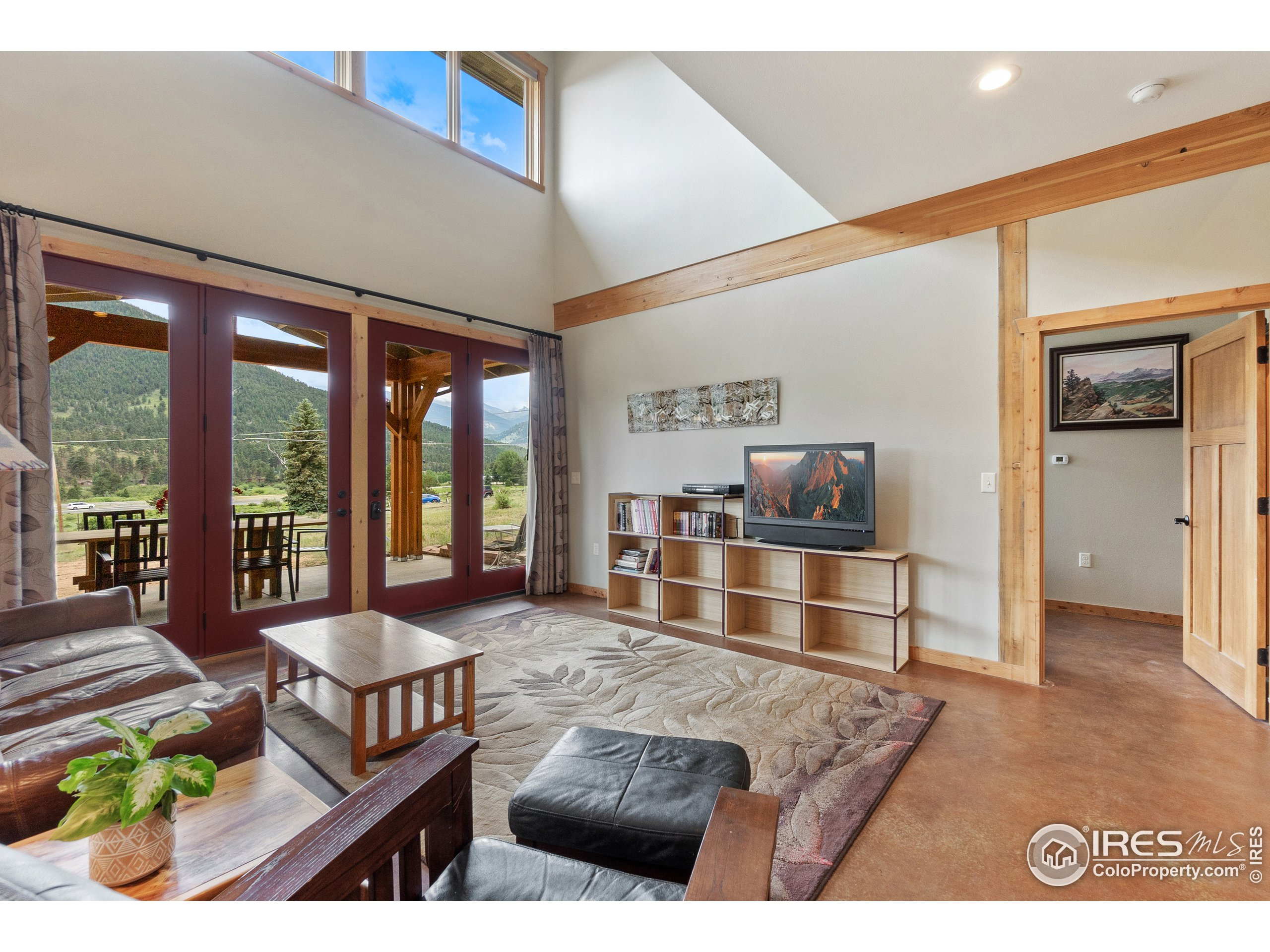 Vaulted ceilings to let in that natural light