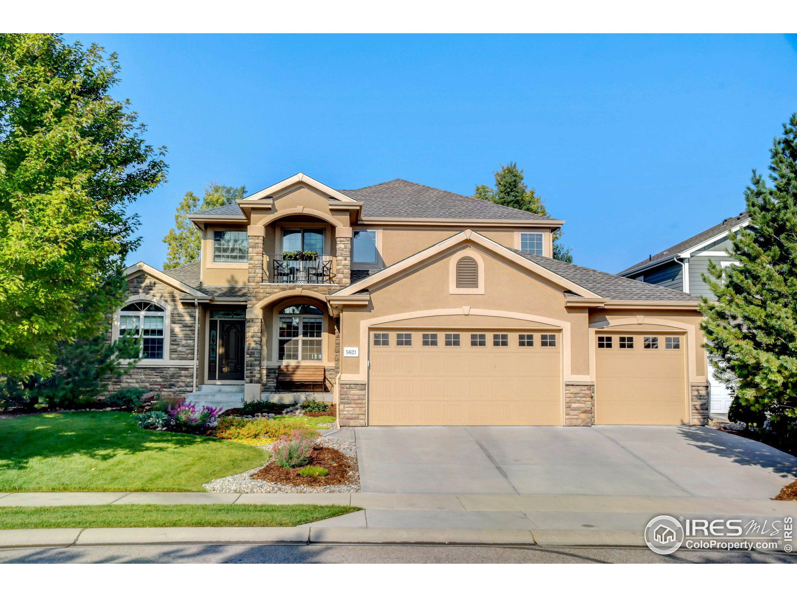 5621 Falling Water Dr, Fort Collins, CO 80528