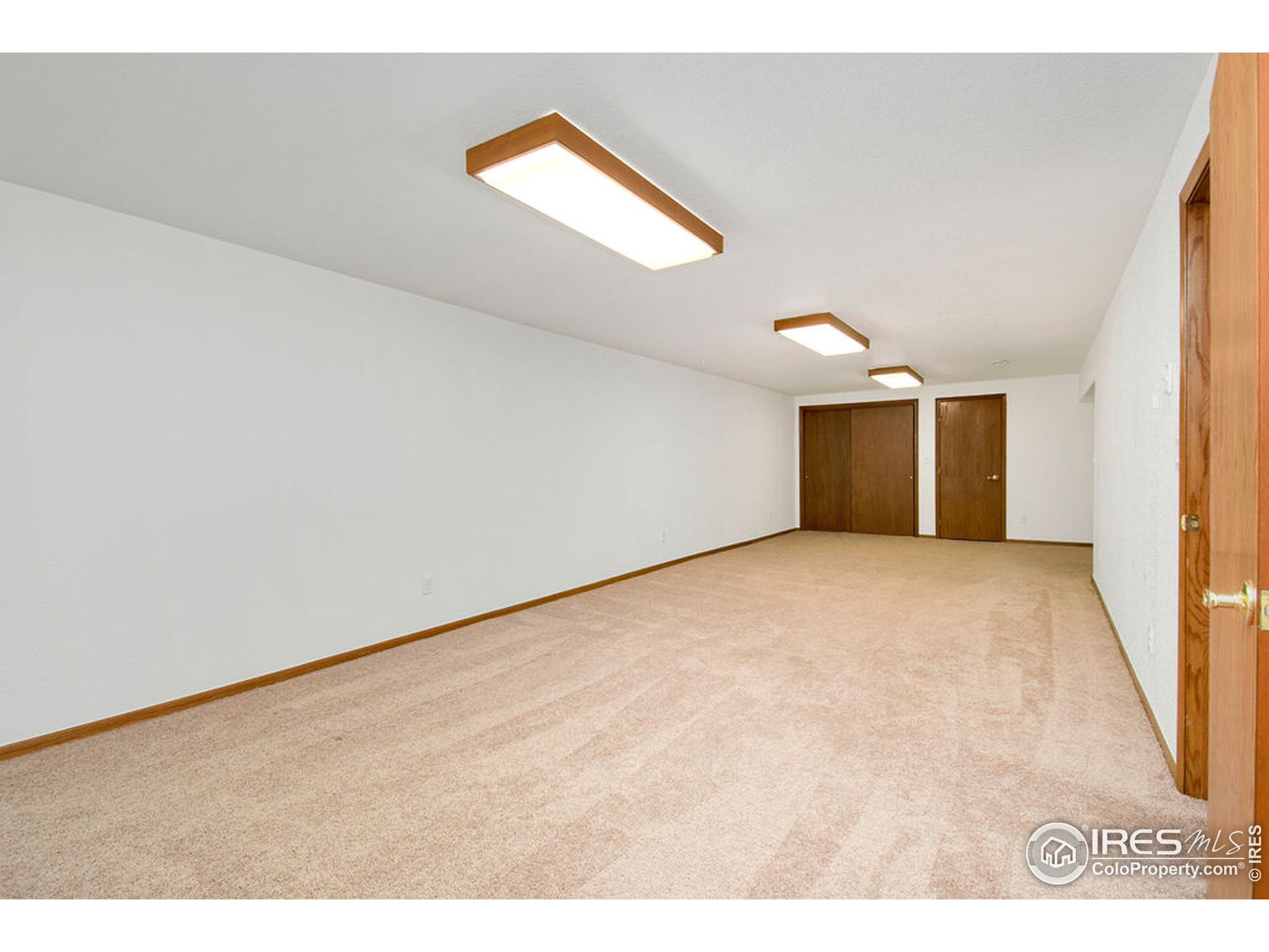 Enjoy Large Basement Living Area. This Patio Home has abundance of square footage!