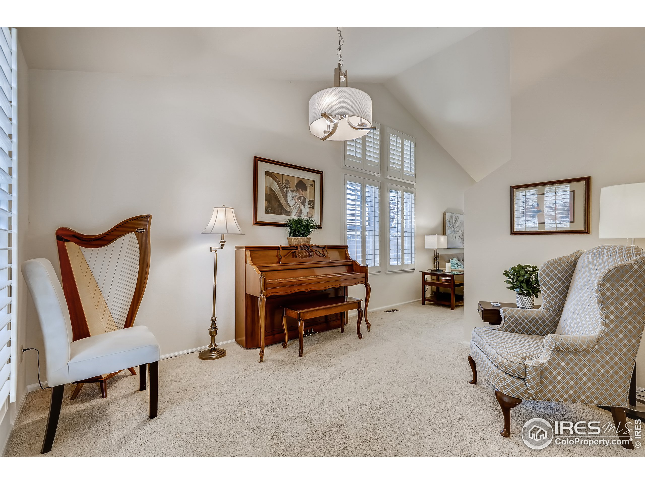 Music room or could be used as a formal dining room.