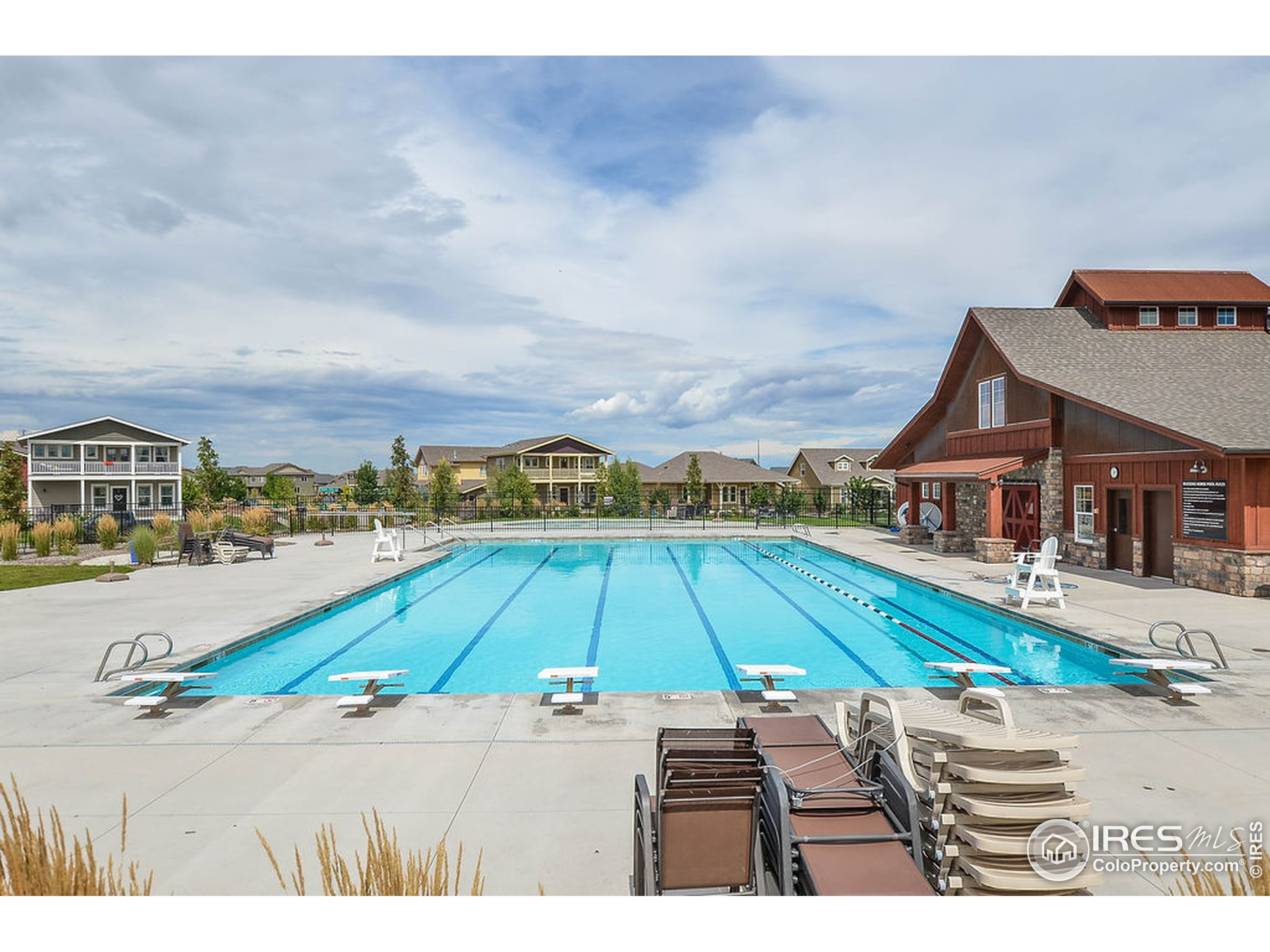Where else can you find LOW HOA fees, NO METRO TAXING DISTRICT and a community pool? Come check out Bucking Horse and Jessup Farms.