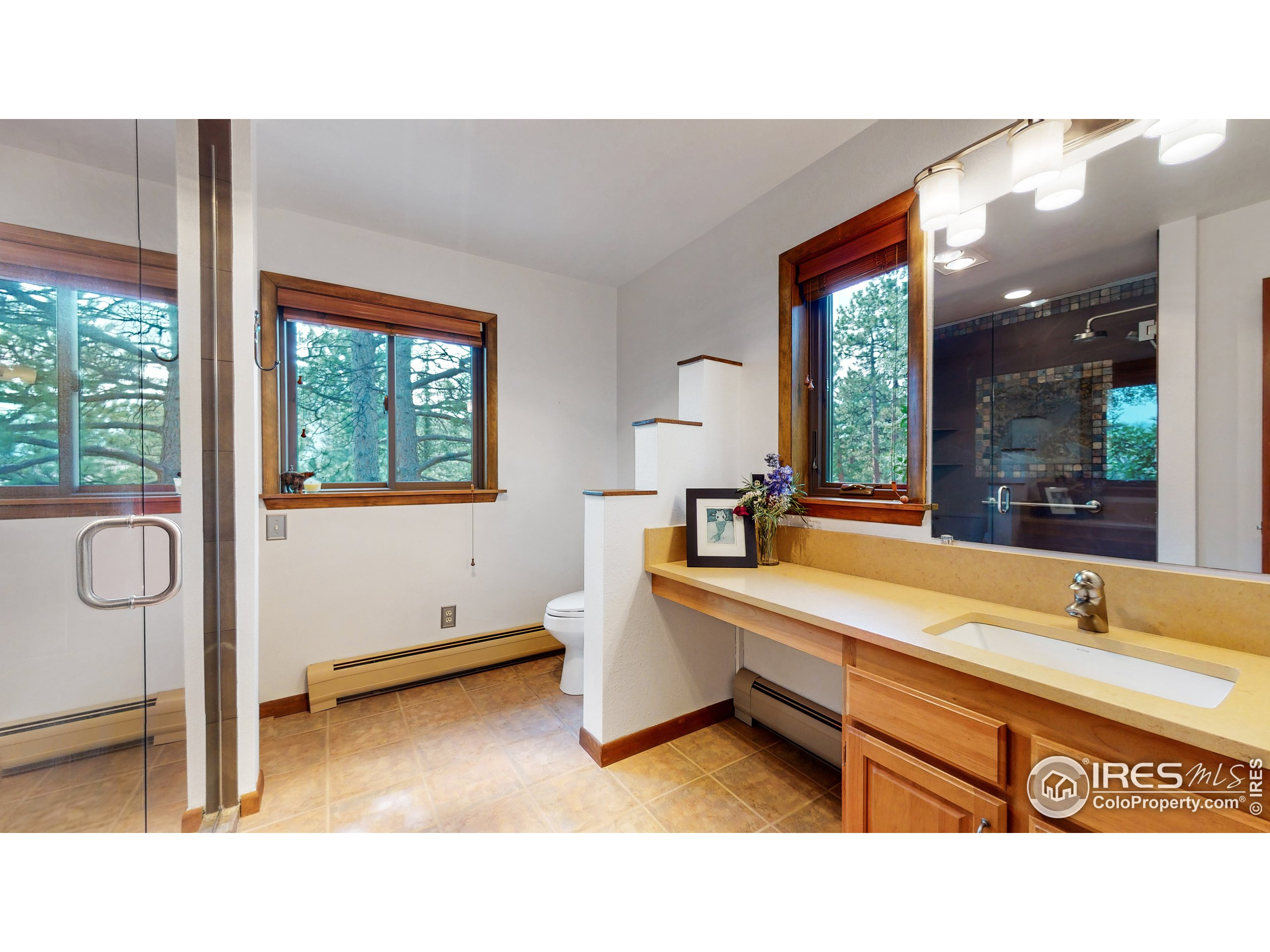 Could be used as office, family room, bedroom - the choice is yours.