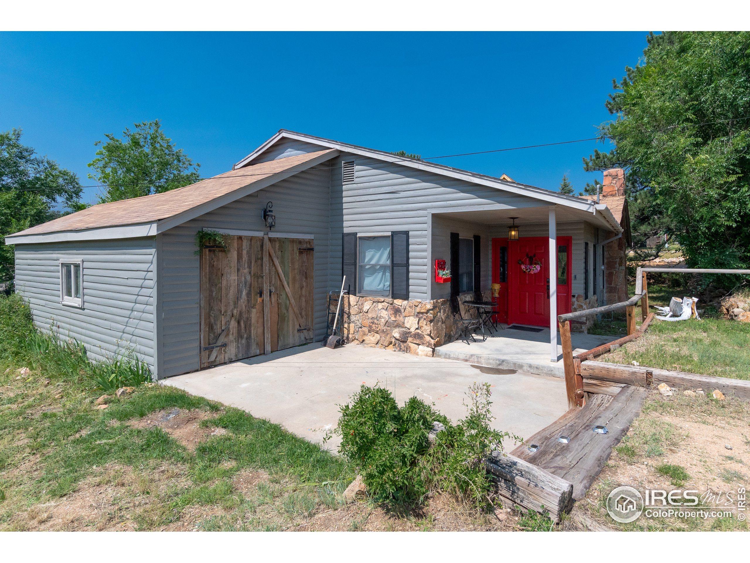 Come take a look at 1707 Mills Drive