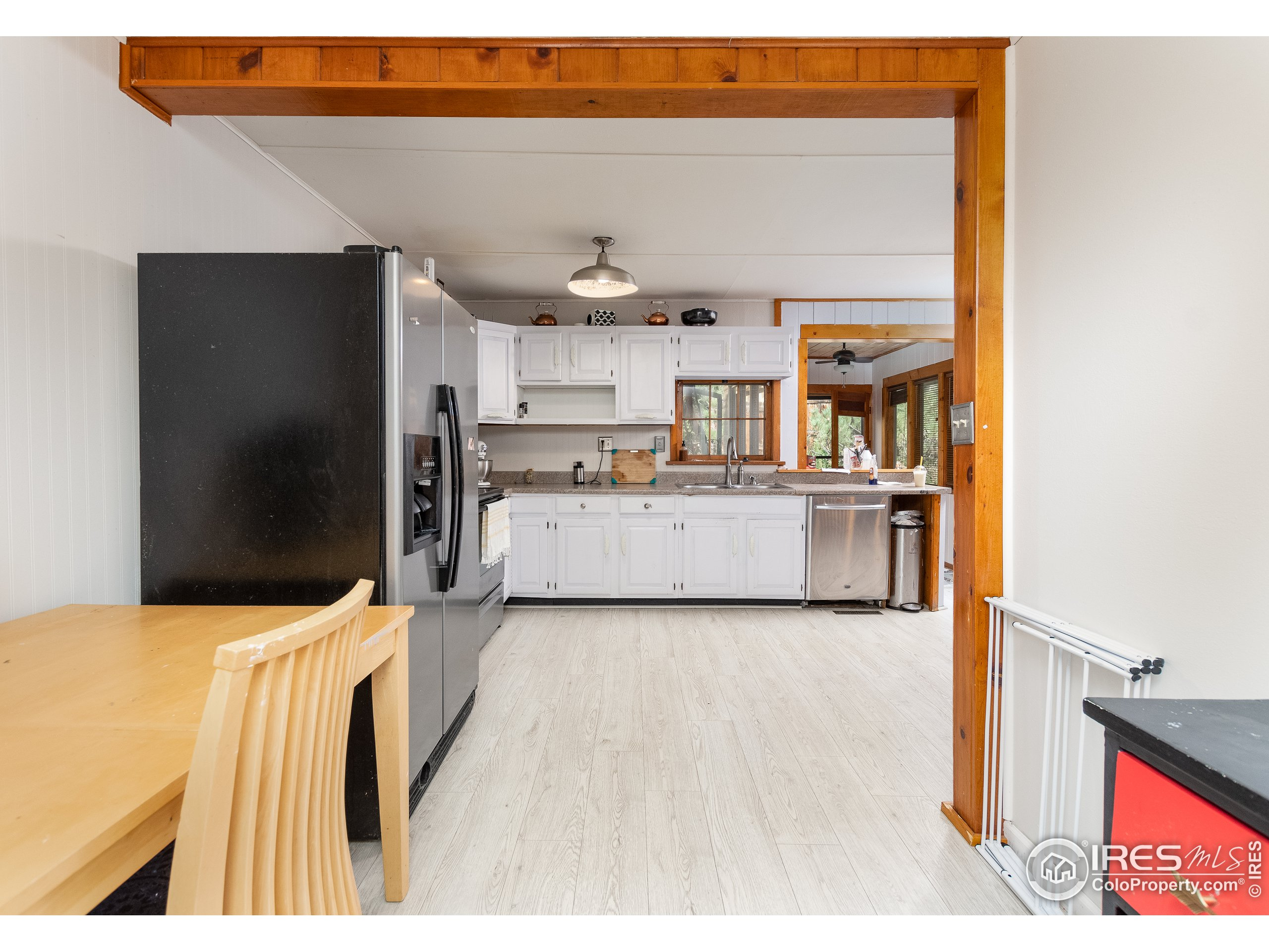 A couple of areas for dining in the kitchen