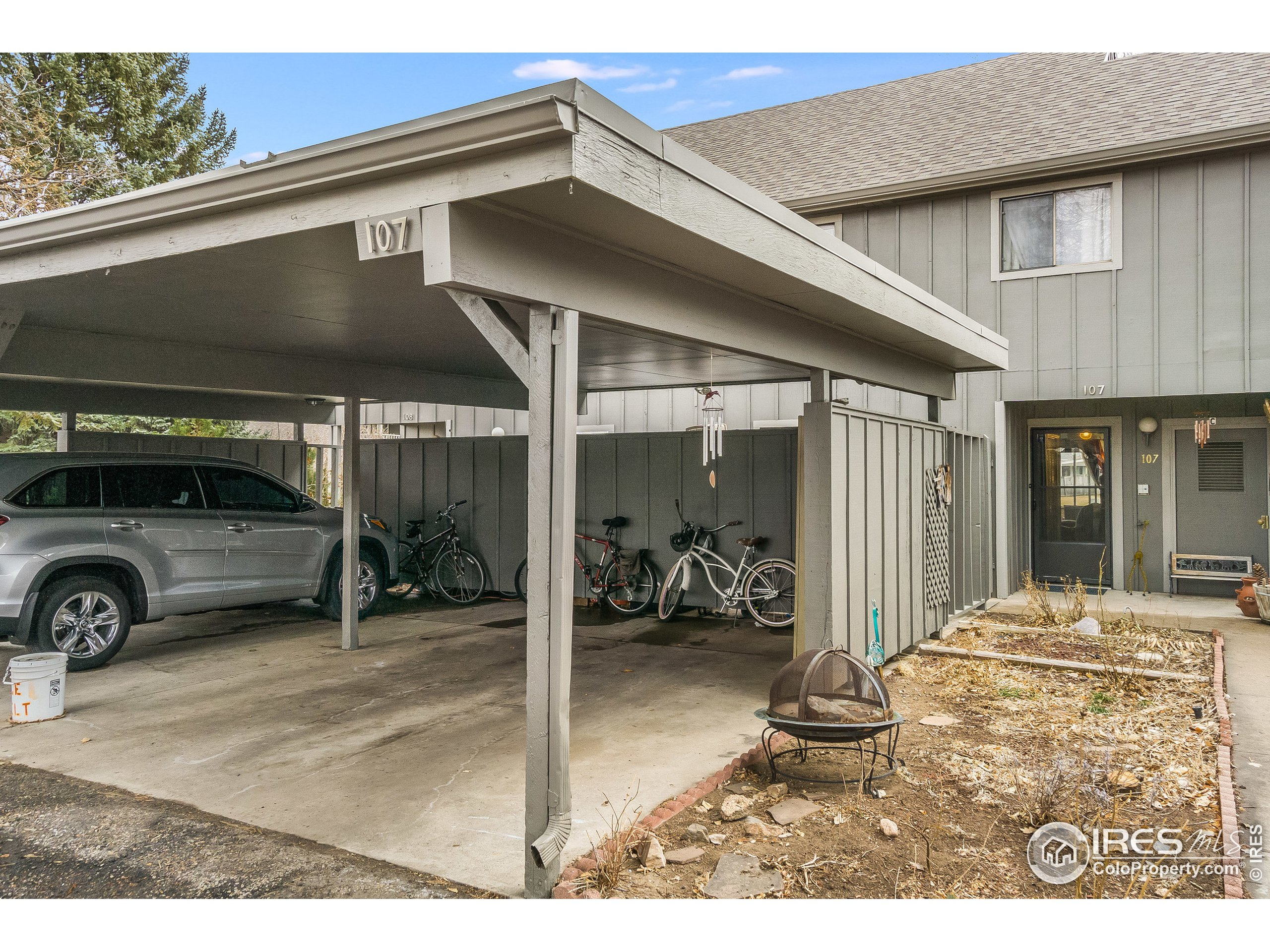 Midtown Fort Collins! Scotch Pines Condo Opportunity - you don't want to miss it! This condo will make a great home or investment! Trendy stained concrete floor on the main level, and a rustic barn wood accent wall in the living room! Upstairs offers spacious bedrooms with room for everyone! Enjoy access to the large green space off the back patio, and beautiful perennials in the front garden area. Don't miss the tennis courts, swimming pool, and clubhouse! HOA dues include heat, water, sewer, trash, snow removal, common space landscaping, exterior maintenance, pool, tennis courts, and clubhouse access. Walk or ride your bike to the nearby Sprouts, The Fox and the Crow, Rise! and other fun shops and restaurants.