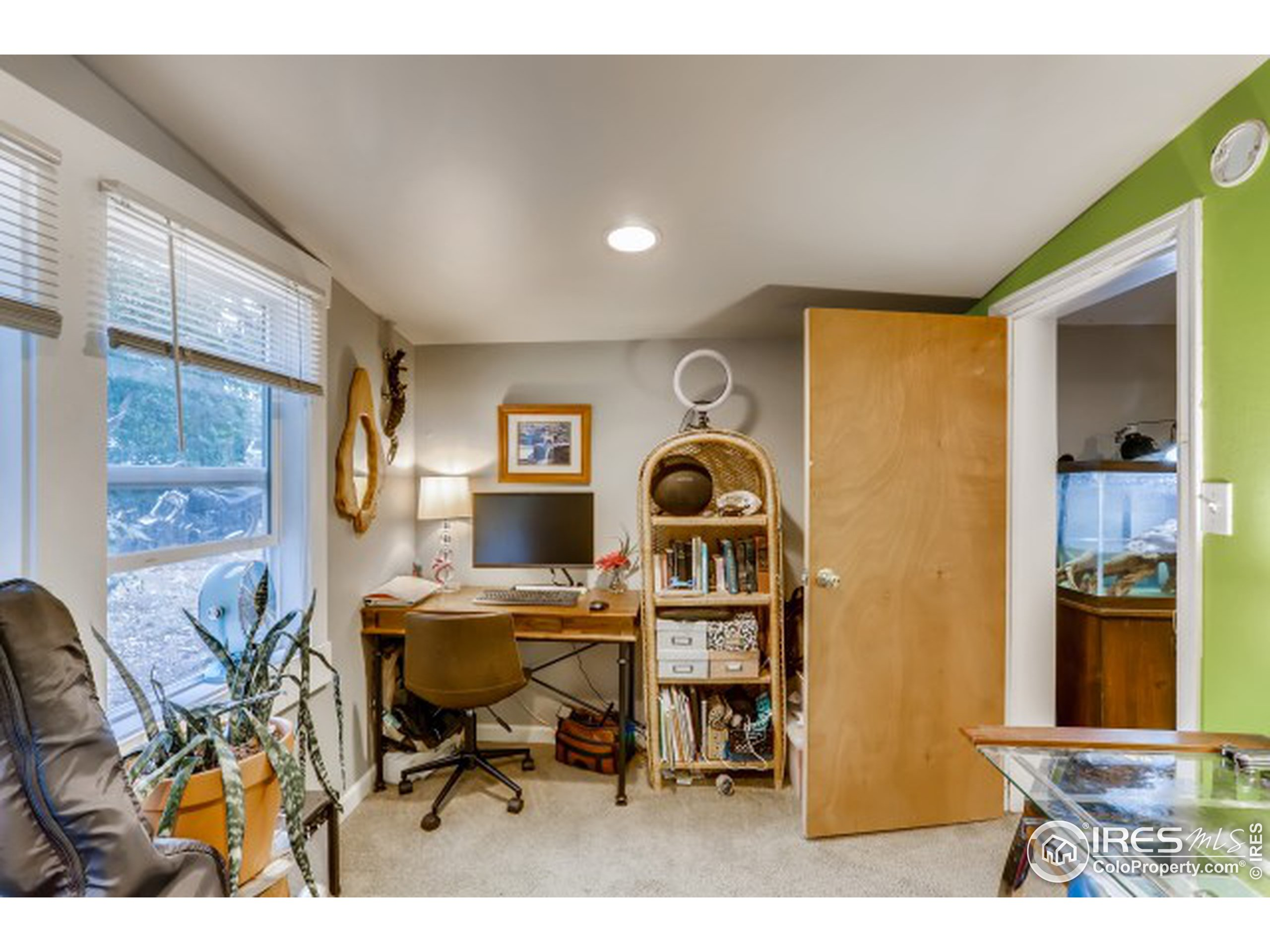 Unit 2 - office or 2nd bedroom (no closet)