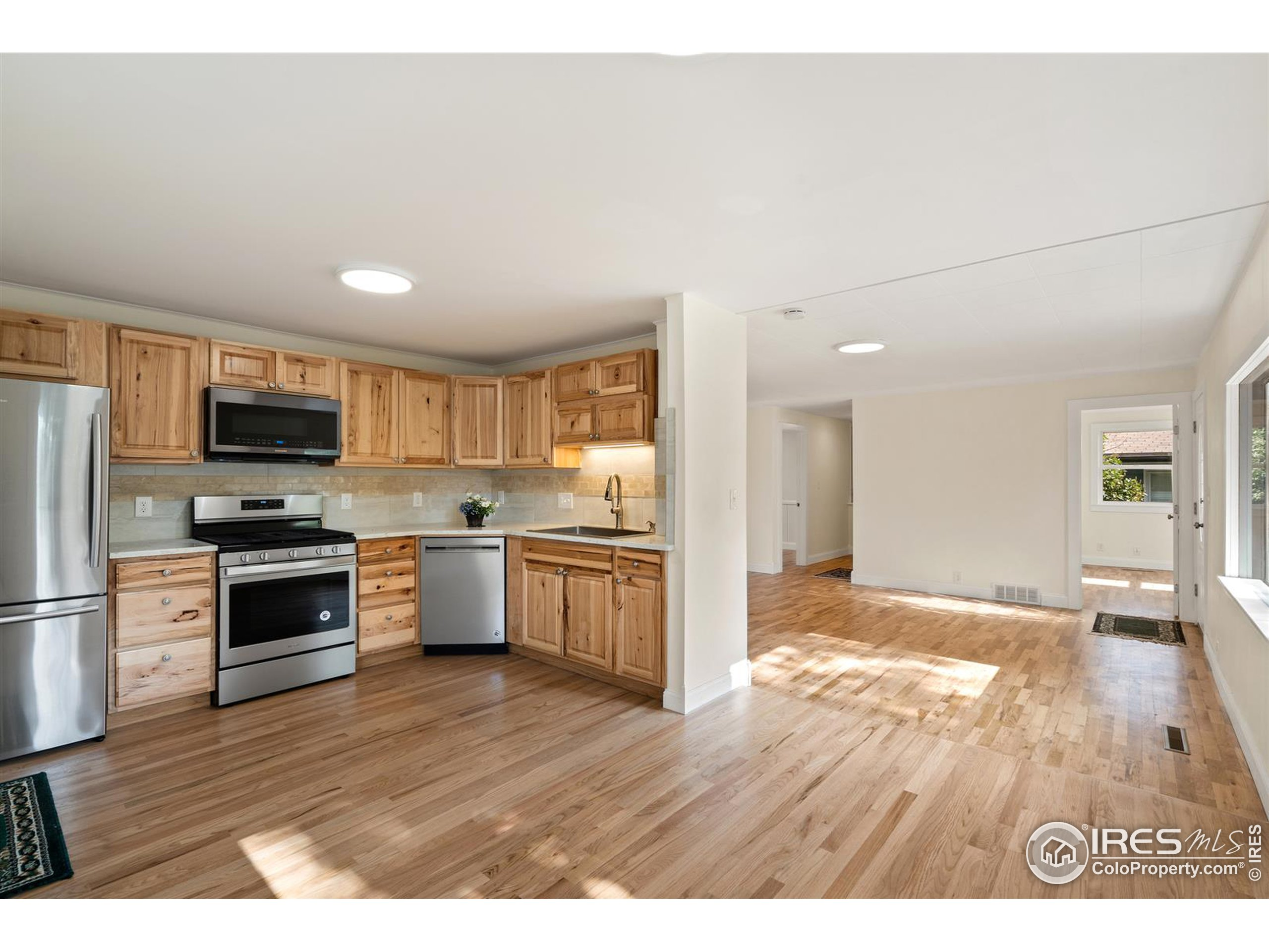 Beautiful new kitchen with all brand new stainless steel appliances