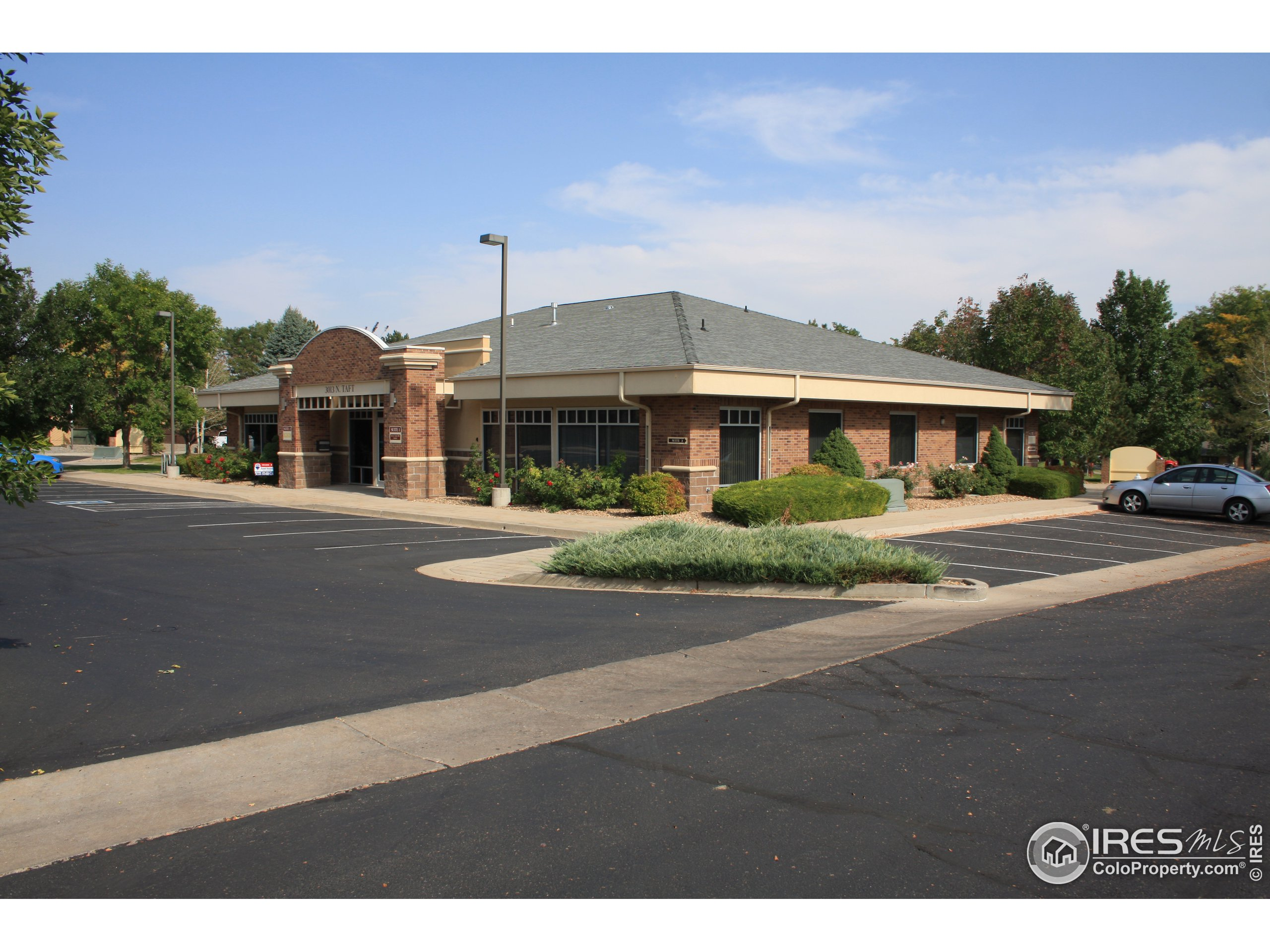 3013 N. Taft Avenue. Solid, well maintained building