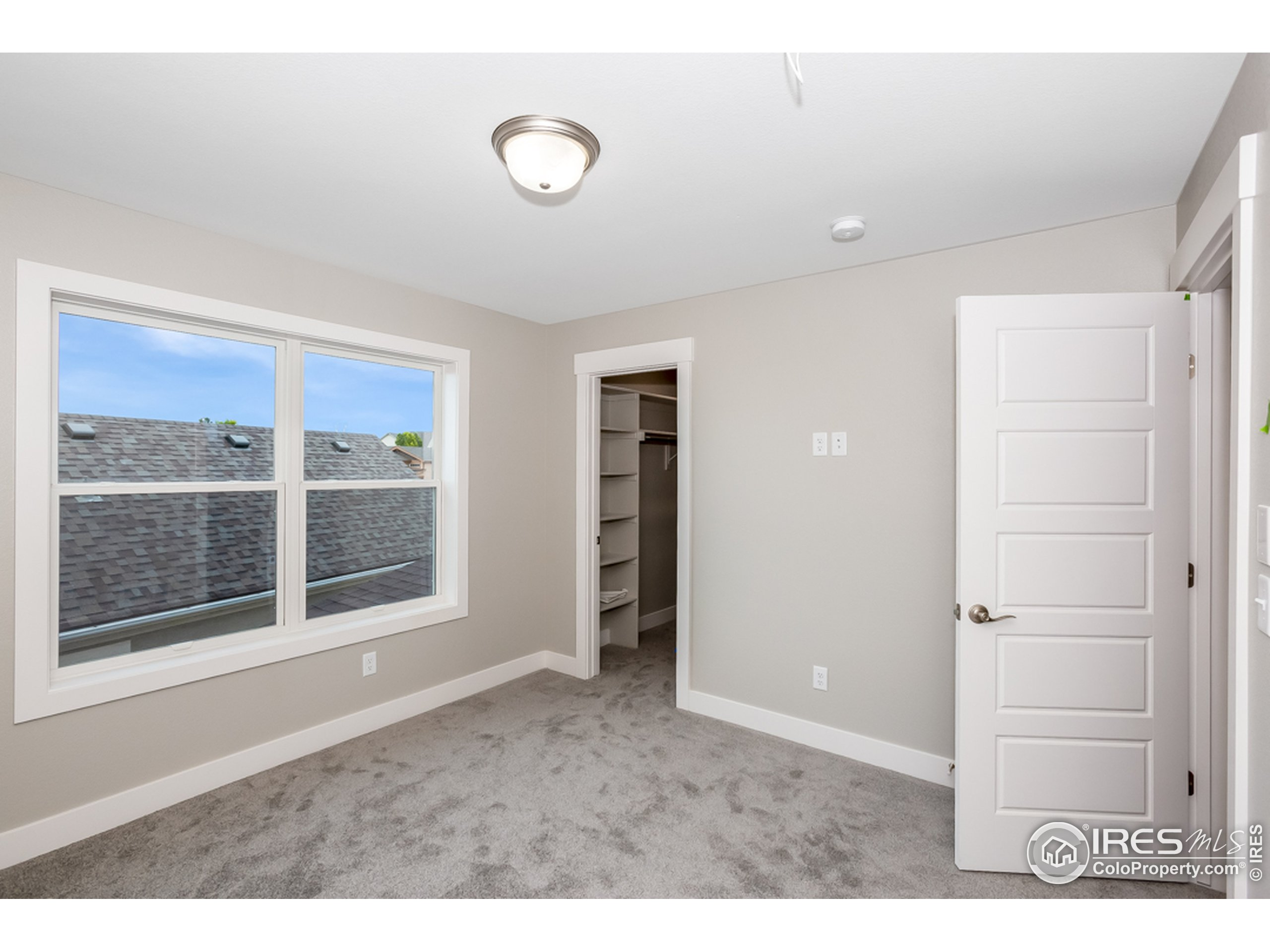 All bedrooms have walk-in closets