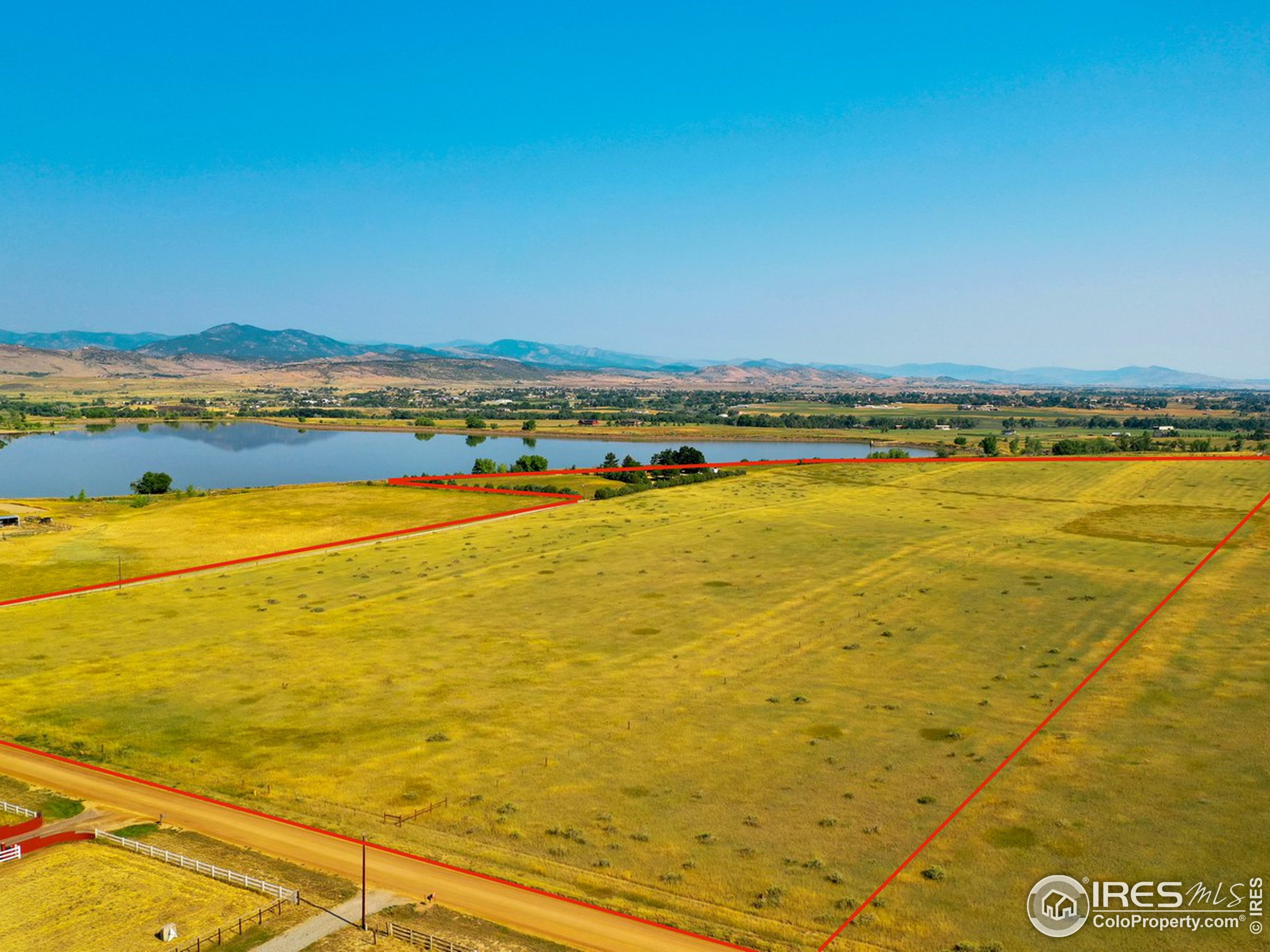 35 acres allows for quiet privacy.