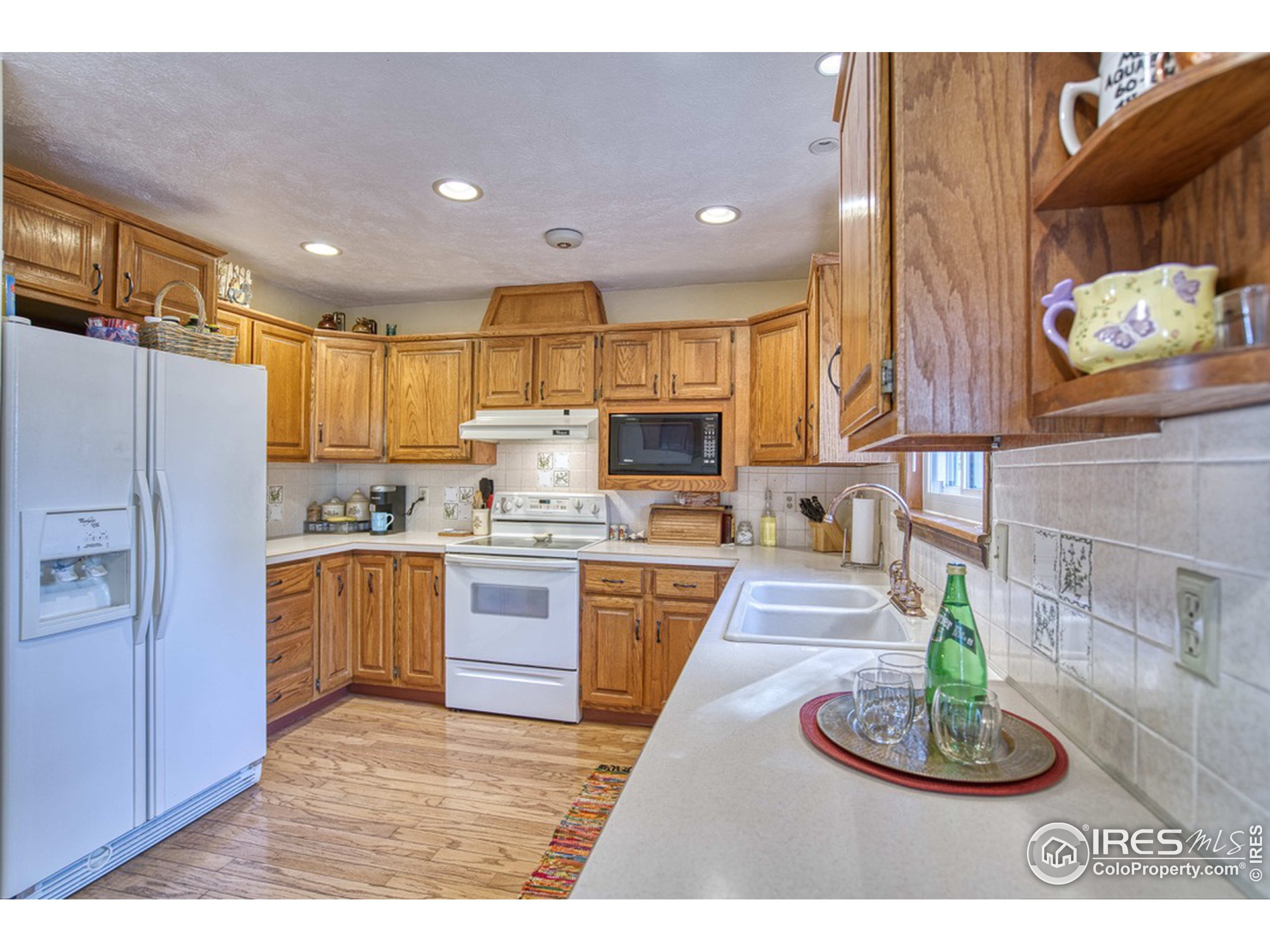 Kitchen with all Appliances Included