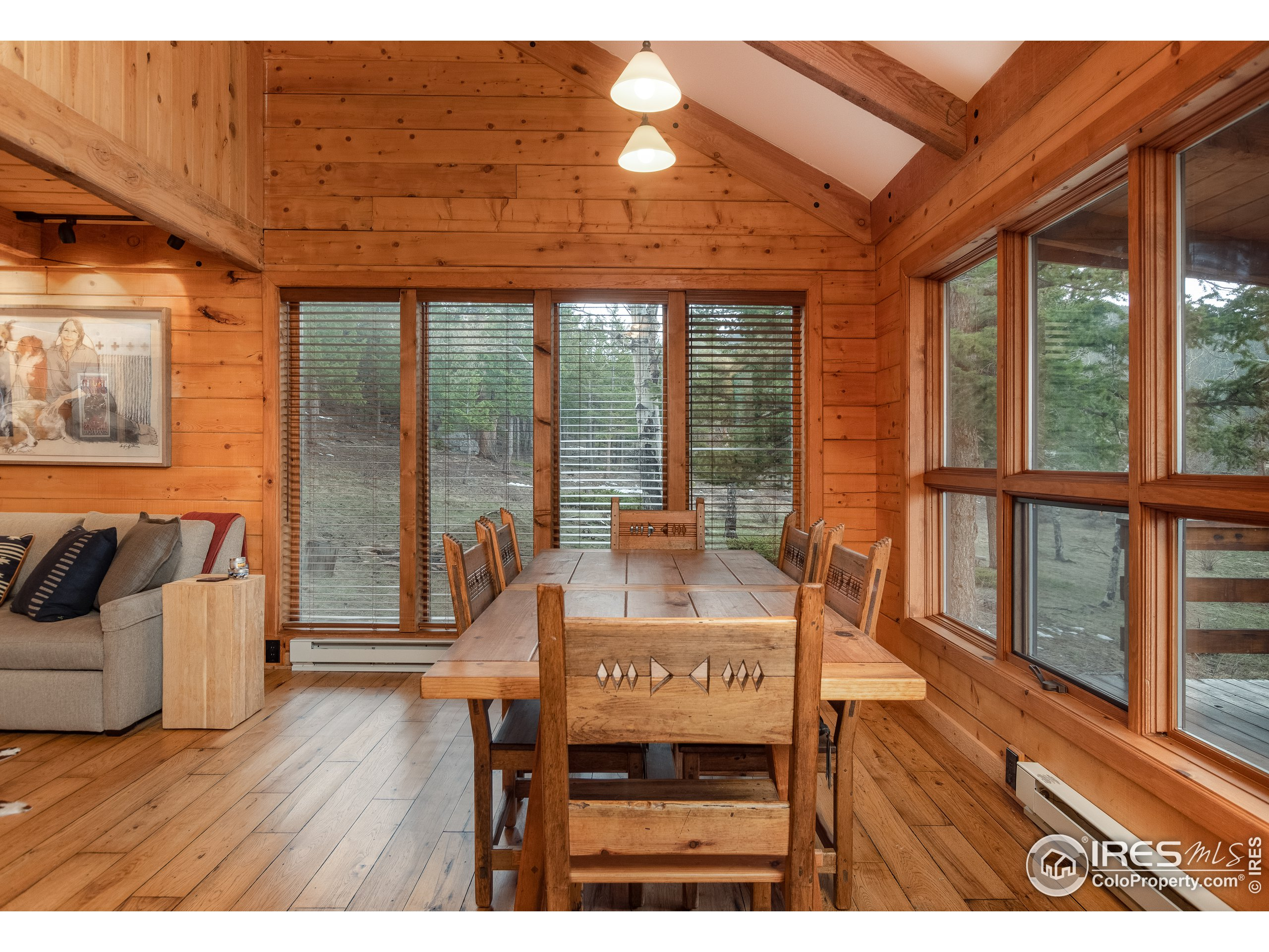 Guest Cabin Dining