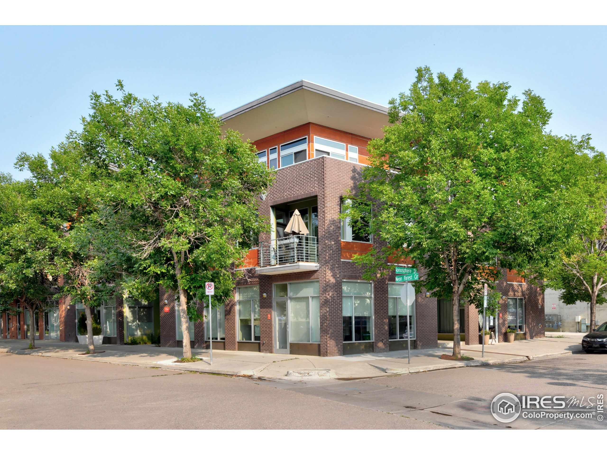 Architecturally Stunning & Impeccably maintained loft