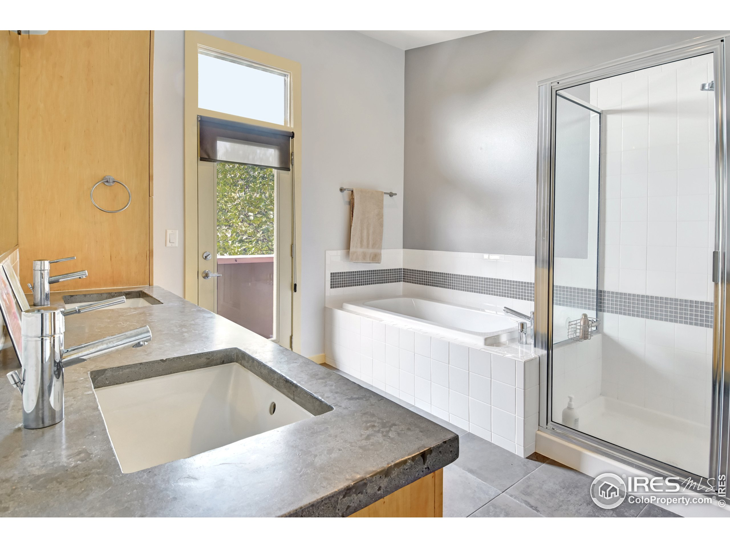5 piece master bath with concrete counters