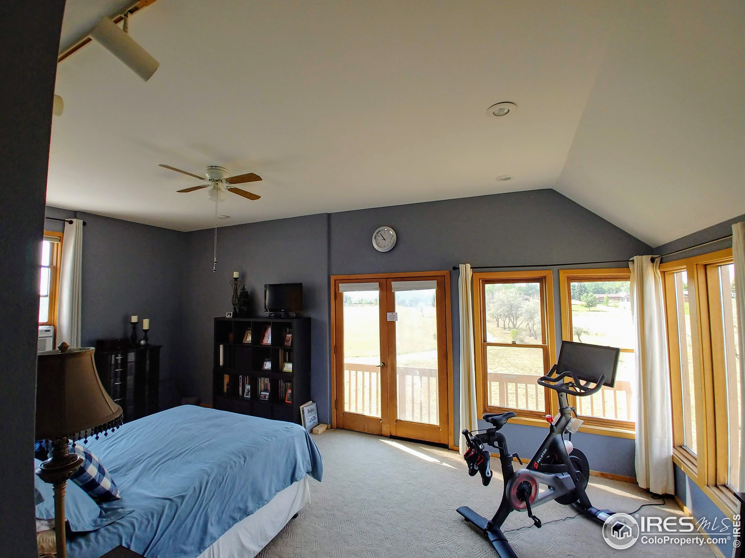 MBR from entry. 10' ceilings throughout upper level.