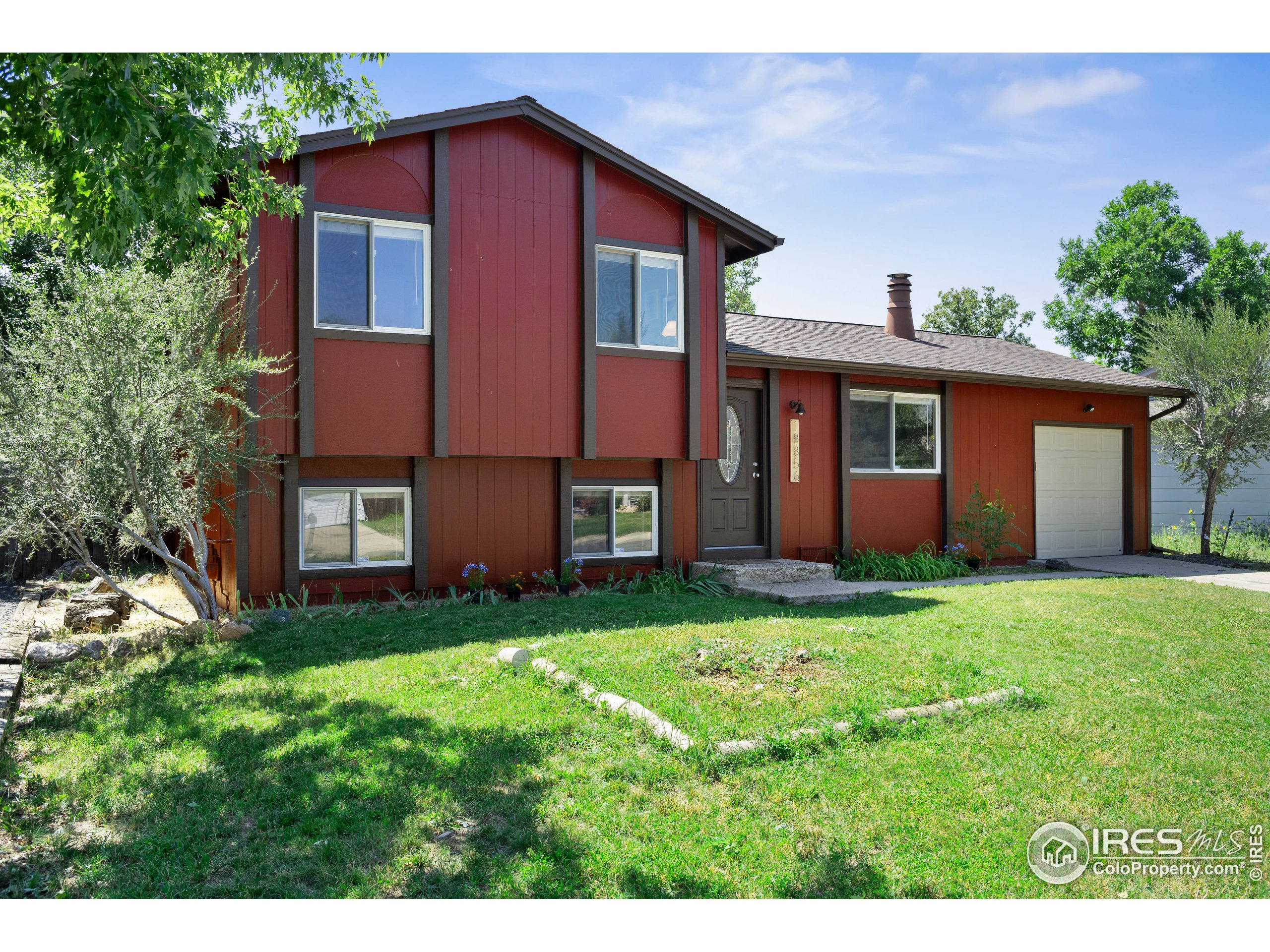 Enjoy the views and trails of North Table Mountain from your backyard! Apple Meadows is about a 20 minute drive to South Boulder, 10 minutes to downtown Golden, and 25 minutes to Denver with easy access to the mountains. Lots of updates to appreciate in this beautiful home including  the water heater, furnace, and washer / dryer, all new as of 2019. Freshly painted exterior and all new gutters. Huge backyard for all your outdoor needs! The shed includes a recreational climbing wall.