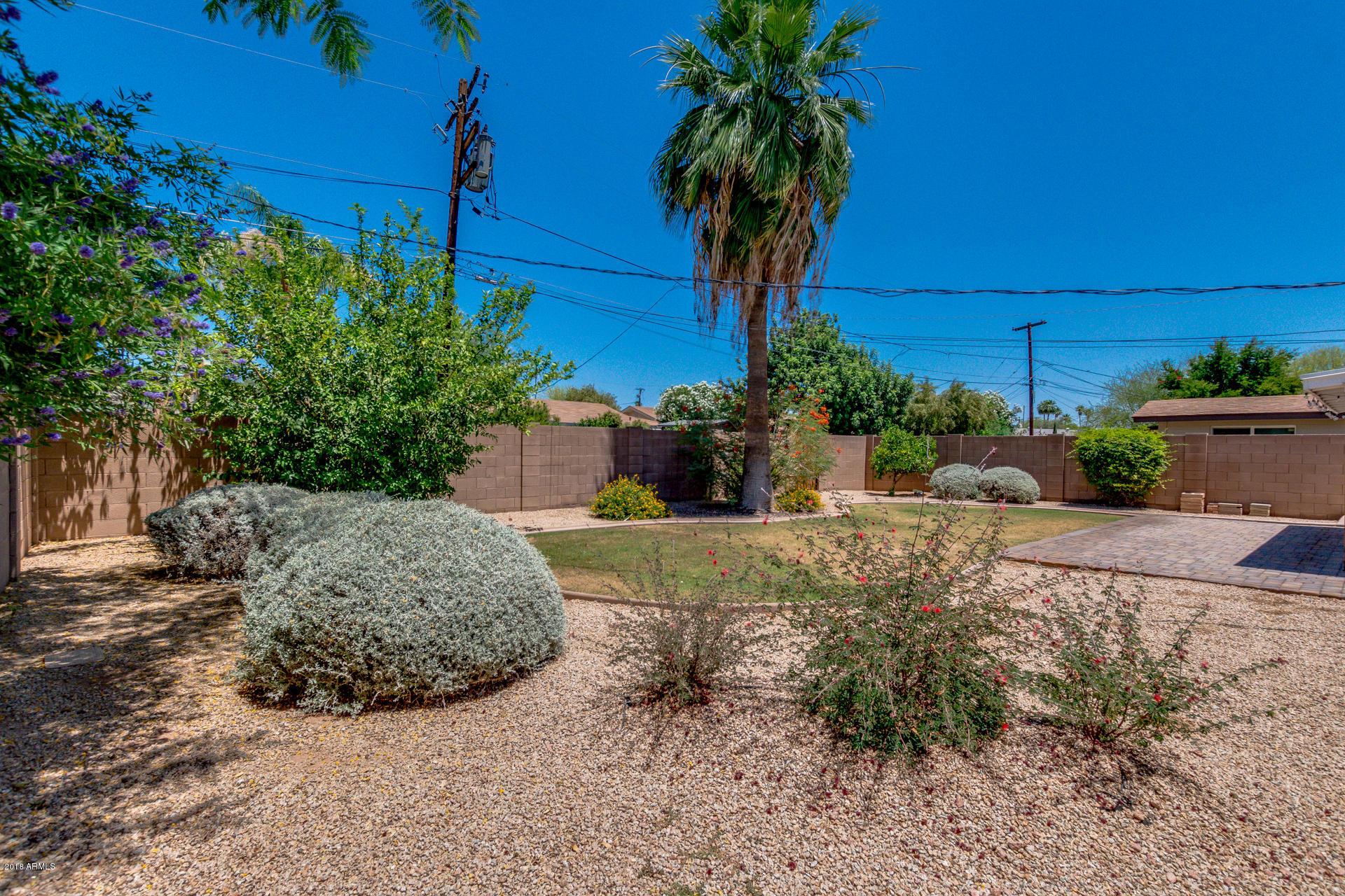 7514 E HAZELWOOD Street, Scottsdale, Arizona 85251, 2 Bedrooms Bedrooms, ,Residential Lease,For Rent,7514 E HAZELWOOD Street,6018964