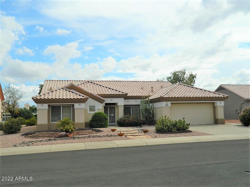 14311 W COLT Lane, Sun City West, AZ 85375, 2 Bedrooms Bedrooms, ,Residential Lease,For Rent,14311 W COLT Lane,6037168