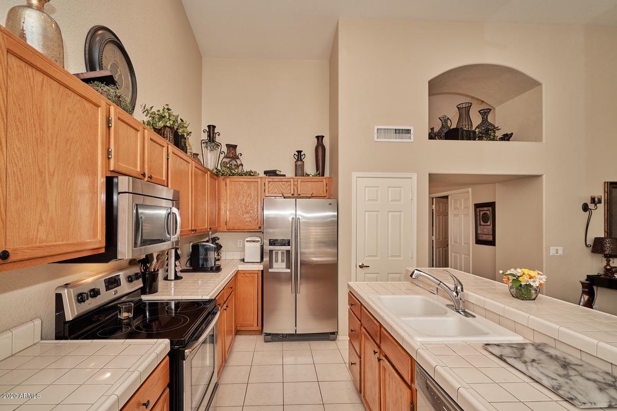 832 N SWALLOW Lane, Gilbert, Arizona 85234, 4 Bedrooms Bedrooms, ,Residential,For Sale,832 N SWALLOW Lane,6045218