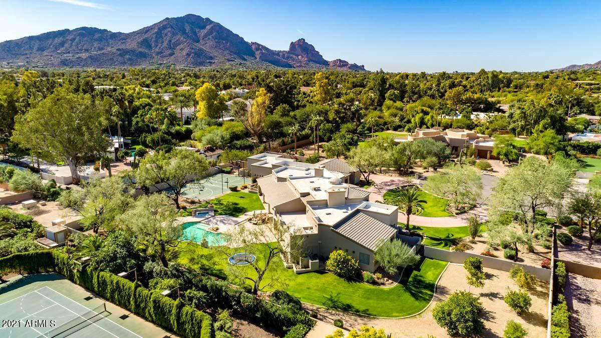 6725 N 65TH Place, Paradise Valley, AZ 85253, 6 Bedrooms Bedrooms, ,Residential Lease,For Rent,6725 N 65TH Place,6049639