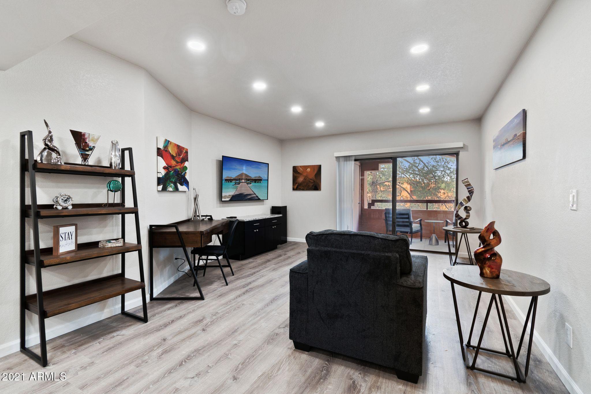 4303 E CACTUS Road # 411, Phoenix, AZ 85032, 2 Bedrooms Bedrooms, ,Residential Lease,For Rent,4303 E CACTUS Road # 411,6186499