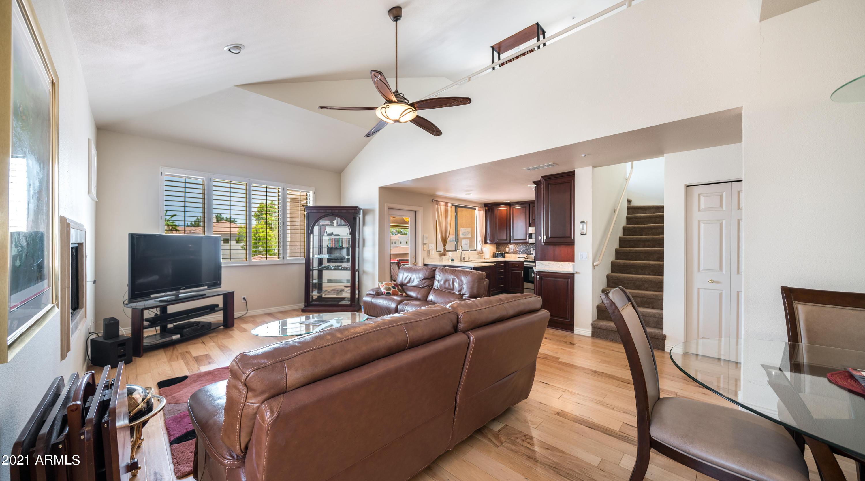 8270 N HAYDEN Road # 2033, Scottsdale, AZ 85258, 2 Bedrooms Bedrooms, ,Residential Lease,For Rent,8270 N HAYDEN Road # 2033,6250388