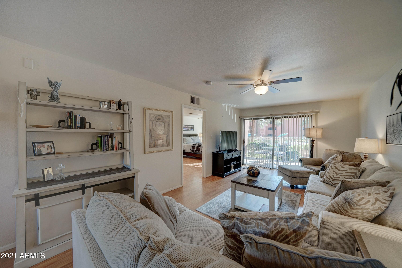12222 N Paradise Village Parkway S # 104, Phoenix, AZ 85032, 1 Bedroom Bedrooms, ,Residential Lease,For Rent,12222 N Paradise Village Parkway S # 104,6292912